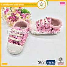 2016 los zapatos recién nacidos del patrón de los cequis de la manera de la venta calzan los zapatos, zapatos del deporte de los cabritos