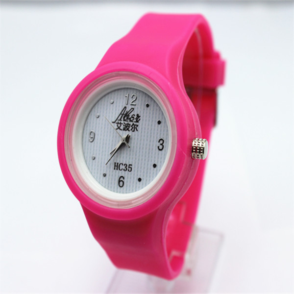 2015 new products 13 color silicon jelly watch