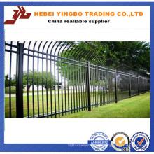 Qualität-gesicherte schwarze Mode und kurze Winkel Kopf Eisen Zaun Panel