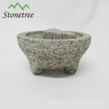 mortier et pilon avec 3 pattes en granit molcajete