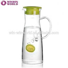Jarro de água de vidro bebendo da tampa do silicone do suco com medição