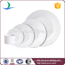 Simples e clássico de cor sólida Branco Ceramic Dinnerware