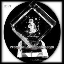 Macaco de K9 Laser 3D dentro do cubo de cristal