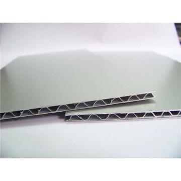 Panneaux en aluminium ondulé pour toiture