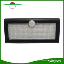 Lumière solaire de capteur de mouvement, lumière solaire extérieure de sécurité 800lm lumière actionnée solaire, lumière sans fil de sécurité / lumière de mur / lumière de nuit 4 modes intelligents