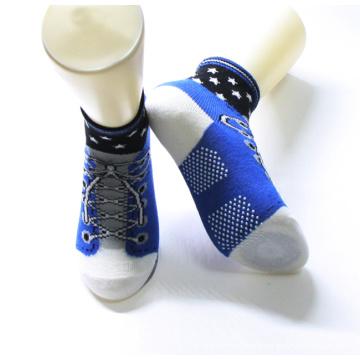 Socquettes antidérapantes de coton de conception unique d'enfants chaussettes de chaussures d'enfants