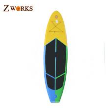 La planche gonflable molle de planche de surf de palette tiennent des conseils de surf de palette