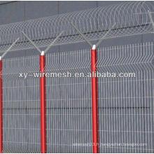 Magnifique grille métallique de clôture
