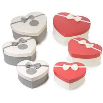 Caixa de presente rígida de forma de coração de dia dos namorados