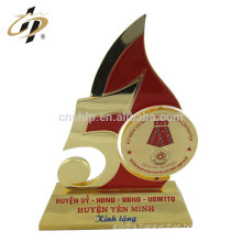 Custom zinc alloy souvenir gold metal spin trophy cup with enamel