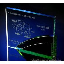 Carácter de trofeos de cristal verde