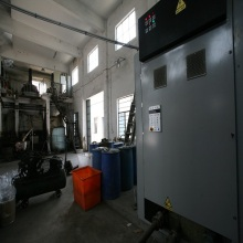 Industrial heat storage steam generator