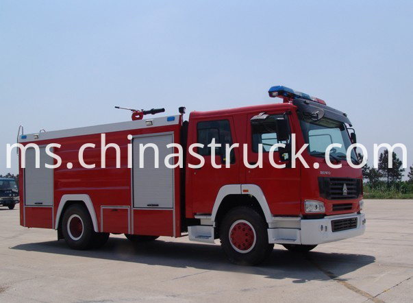8T HOWO water and foam fire truck
