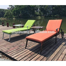 New design outdoor aluminum chaise lounge sun lounger with wheels poolside furniture