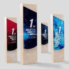 Trofeo de cristal para juegos deportivos.
