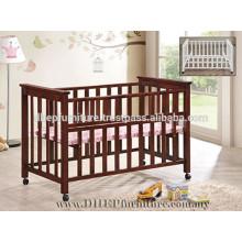 Berço de madeira, cama de bebê