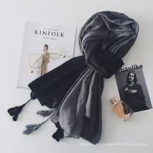 Завод прямых продаж леди мода хлопок градиент цвета мусульманский хиджаб шарф с кисточкой