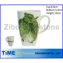 Taza de café cuadrada blanca estupenda de la porcelana