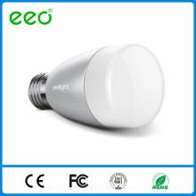 Iluminação inteligente por ios / Android controle de telefone, E27 6w RGBW levou luz de bulbo