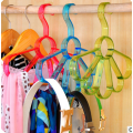 Gancho plástico colorido para roupas e cachecol