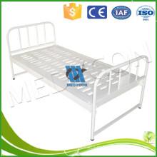 Cama de hospital de la tabla del panel, cama plana manual del hospital con el poste IV para la venta