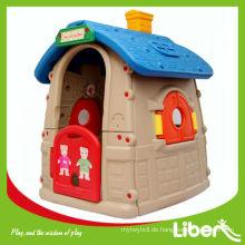 Kinder spielen Haus LE.WS.004