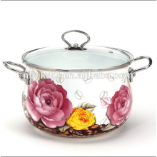 porcelain enamel casserole with metal handle and knob