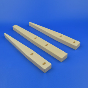 Good Impact Resistance Alumina Ceramic Guide Block