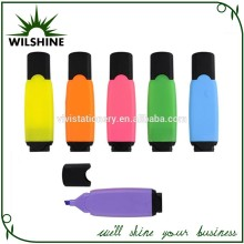 Innovative Plastic Acrylic Paint Pen in Different Colors