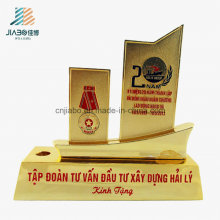 Free Sample Alloy Enamel Veitnam Custom Gold Militarty Souvenir Trophy