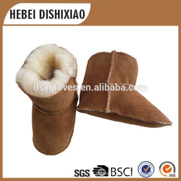 Sapatas da pele da criança, sapatas da pele do couro de pele de carneiro do bebê, sapatas mornas do inverno confortável