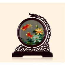 Ilustraciones bordadas a mano - Lotus Fish