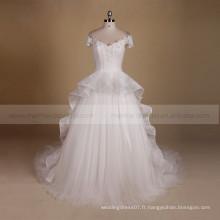 Manteau gracieux manche douce Une robe de mariée applique en ligne