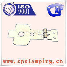 Pièces d'estampage de métal de haute précision pour pièces de relais plaque de ressort