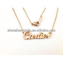 Alibaba fournisseur à bas prix collier en or de mode en gros avec le nom anglais pour les femmes