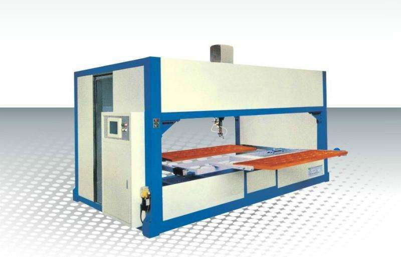 wood spraying machine