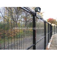 Prison anti-climb high security fence