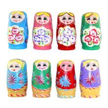 artículos de recuerdo de madera rusa que anidan la muñeca