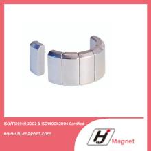 Aimant de NdFeB personnalisés N35-N50 sur moteur avec des processus de haute qualité fabriqués par l'usine de la Chine