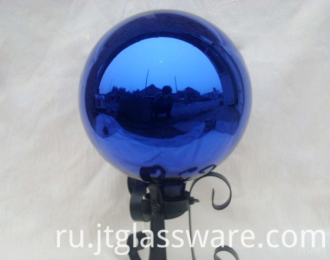 Glass garden ball