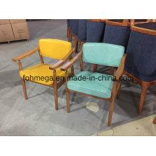 Cadeira de visitante moderna de madeira legal da clínica (FOH-BCC33)