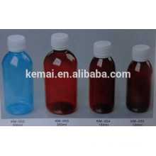 Parafusar tampa garrafas de plástico vazias