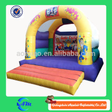 Casa inflable de la despedida del castillo hinchable inflable feliz del bouncer del uso del partido la pequeña para la venta