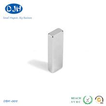 Matériaux magnétiques NdFeB frittés N40 de qualité standard