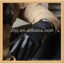 Los hombres que usan guantes de negocios, guante de ocio de invierno