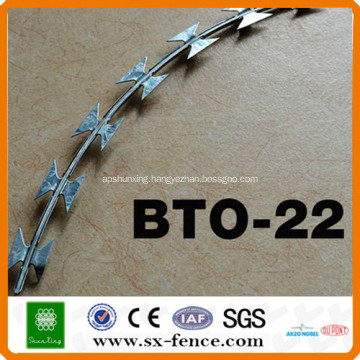 ISO9001 Anping shunxing factory razor wire bto-22 galvanized razor barbed wire