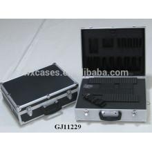 boîte à outils en aluminium coin carré amovible mousse coupée en dés à l'intérieur et tableau de bord ABS noir sous la peau