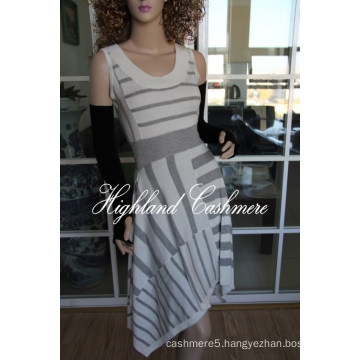 Ladies′ Wool Viscose Sleeveless Intarsia Skirt with Stripes