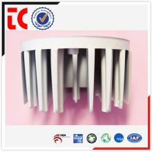 Moulage par radiateur fait sur mesure blanc