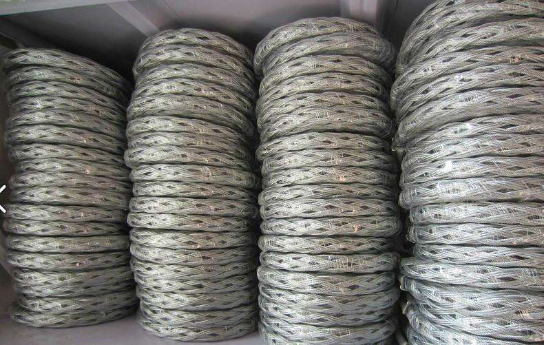 Wire mesh grip cable